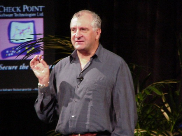 By John Johnson from Iowa City, USA (Douglas Adams  Uploaded by Diaa_abdelmoneim) [CC BY 2.0 (http://creativecommons.org/licenses/by/2.0)], via Wikimedia Commons