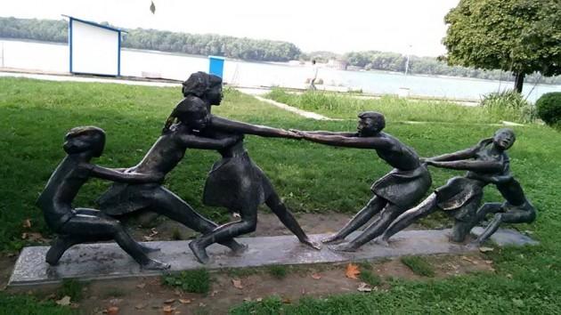 deca statua ruse