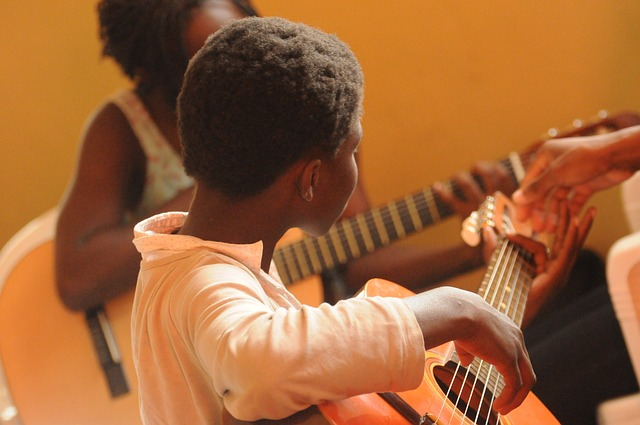 guitar-435094_640