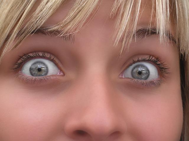 eyes-937972_640