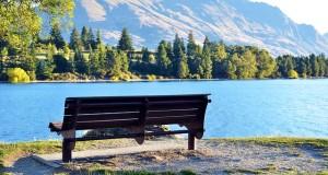 bench-679045_640