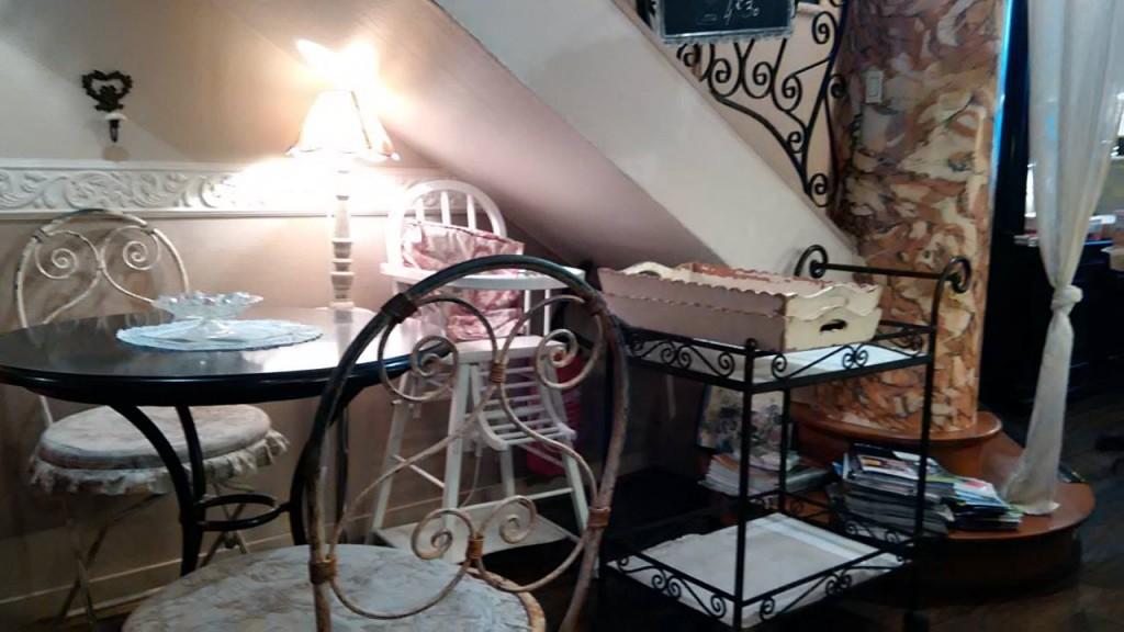 Dame Cakes interior