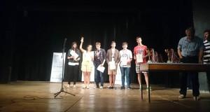 """Отборът на Американския колеж (8-9 клас) на """"Математическите боеве"""" в Созопол, септ. 2015"""