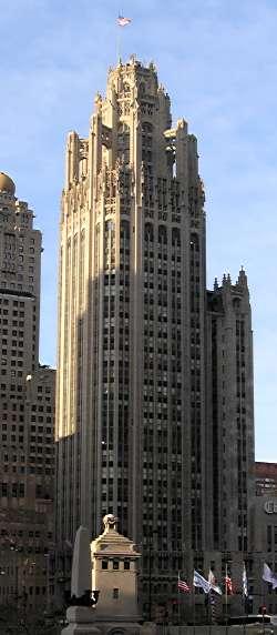 Tribune Tower Chicago фотограф: BenMiller източник: Wikipedia