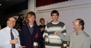 Награждаването на отличниците в първи курс Владислав Василев е момчето с бяло-сивия пуловер.