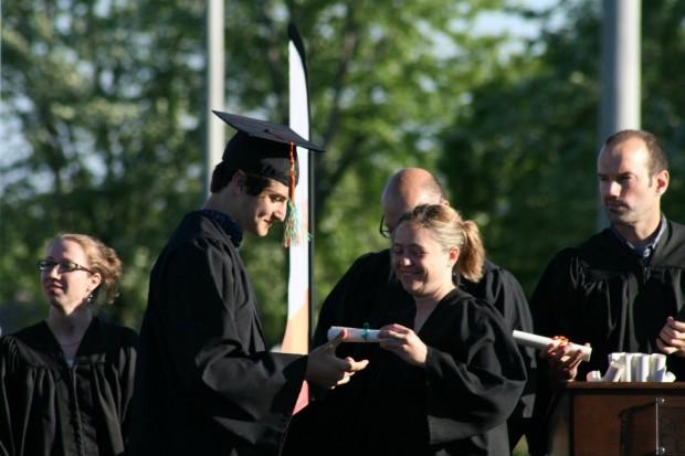graduation-2337946_1920