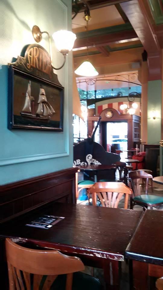 rouen gare cafe 2