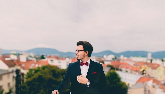suit-691849_640