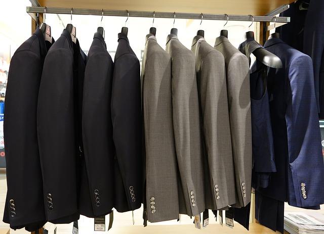 suit-714357_640