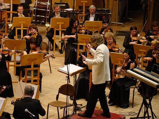 symphony-orchestra-183611_640