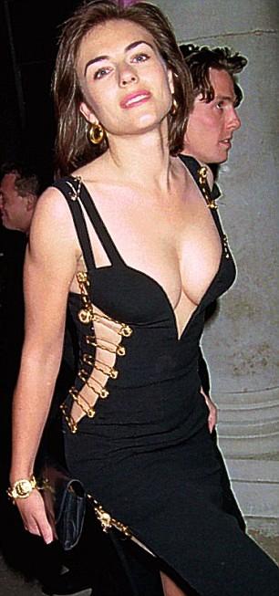"""Елизабет Хърли с черната рокля на """"Версаче"""" Източник:  http://brianatwoodsale.info/, Уикипедия"""