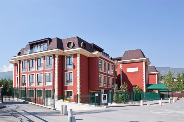 Френски лицей в София източник: eisbg.com