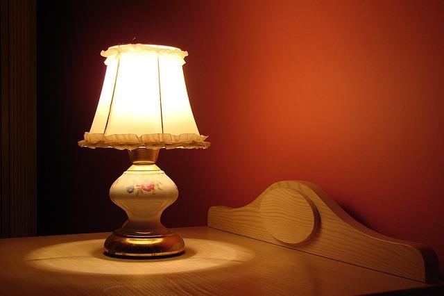 lamp-1202127_640