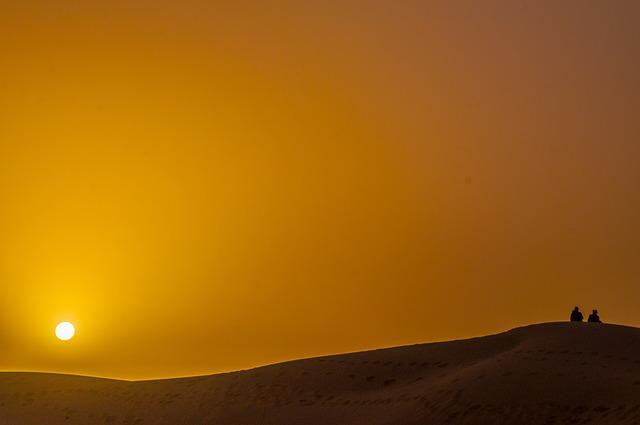 desert-1363151_640