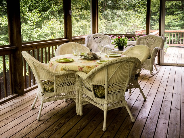 screened-porch-670263_640