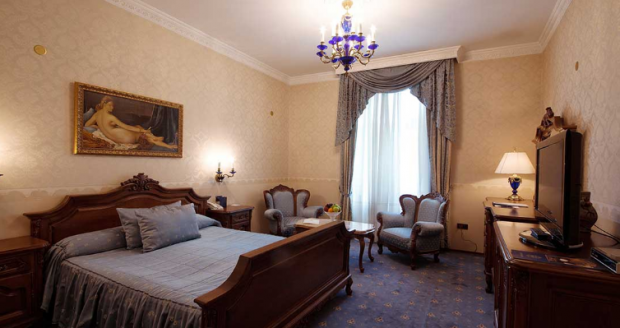 2-grand-hotel-london