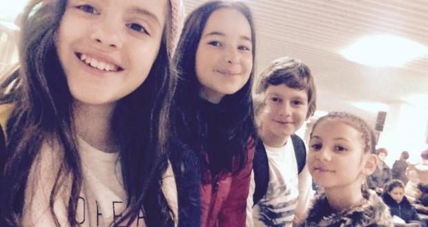 Ирина Атанасова е момиченцето вдясно  източник: https://www.facebook.com/www.bnt.bg/