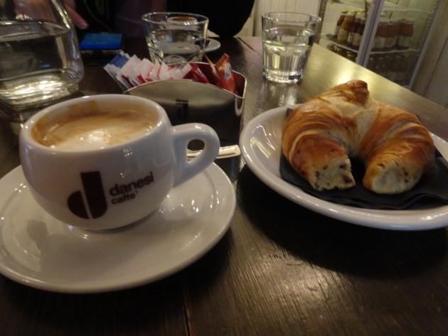 kafe i kroasan rome
