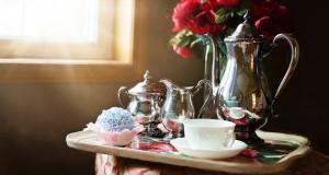 silver-tea-set-989820_640