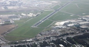 800px-Amsterdam_Airport_Schiphol_PD_2011_28