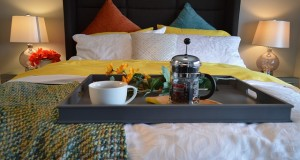 breakfast-in-bed-1158270_640