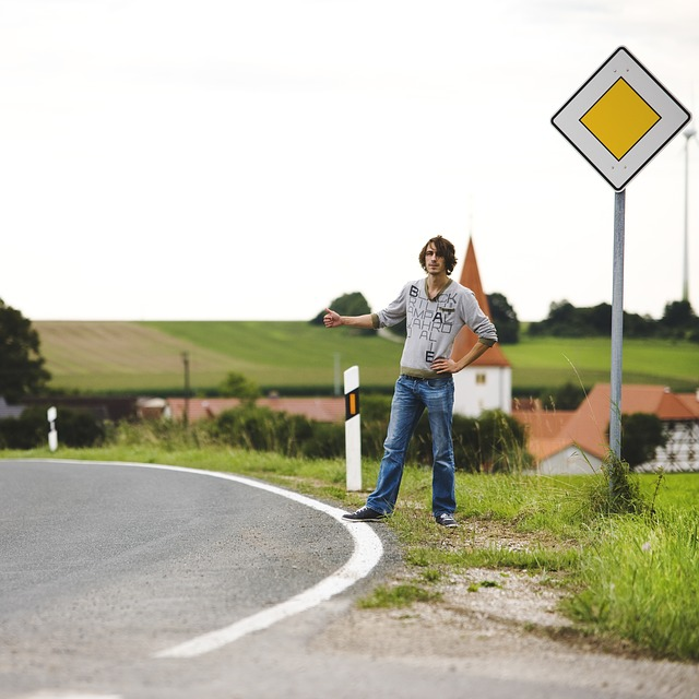hitchhiker-1926270_640