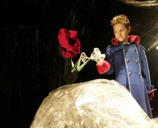 Ники в ролята на Малкия принц в Столичния куклен театър през 2008 г. Тогава беше 1-класник и се справи чудесно.
