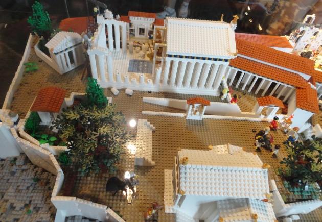 Acropol Lego 10