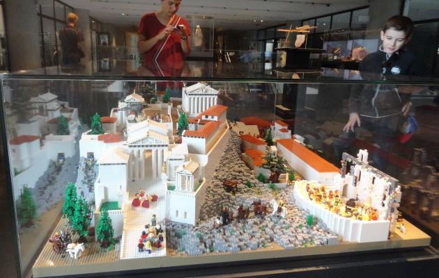 Acropol Lego 16