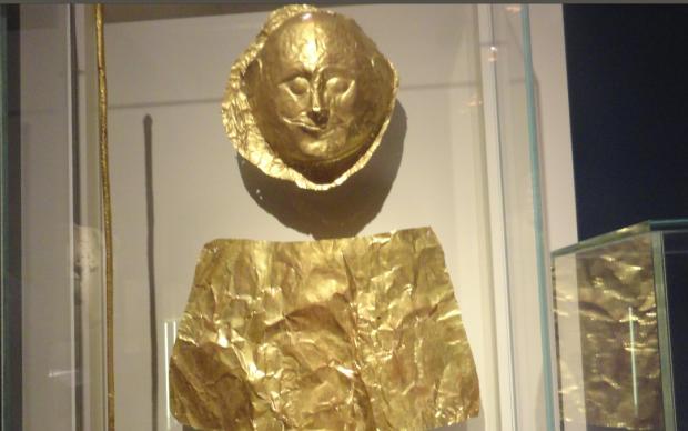 odiseys zlatna maska
