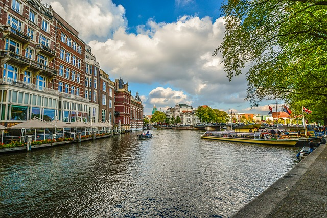 amsterdam-2203085_640