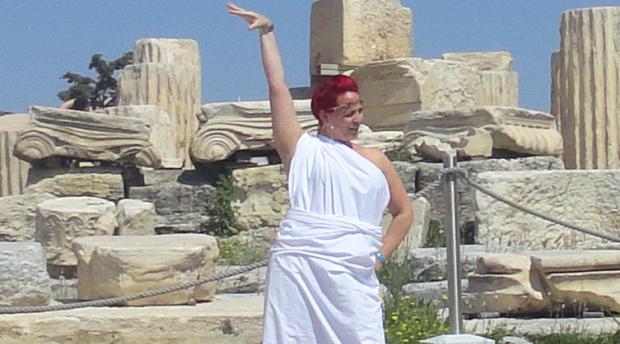 Туристка в Акропола април 2017