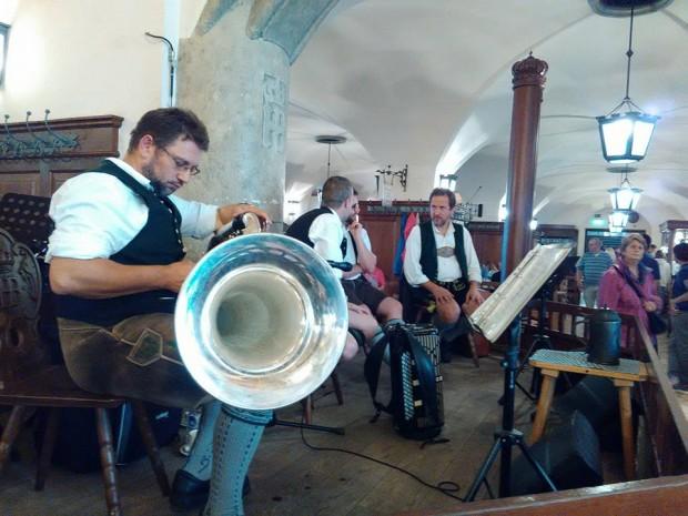 Hofbräuhaus munchen muzikanti