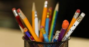 pencils-2409975_640