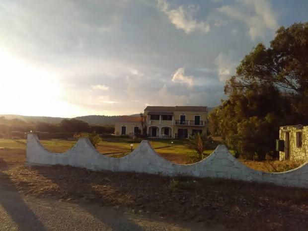 Последна снимка на къщичката ни в Корфу