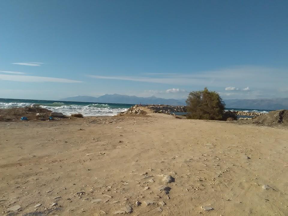 Морето в близост до къщичката ни