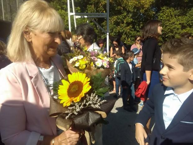 Вики с мисис Спирова - невероятен учител по английски за 1-3 клас