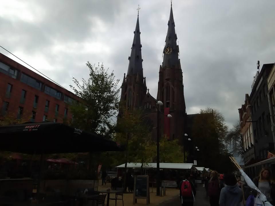 Eindhoven pazar 43