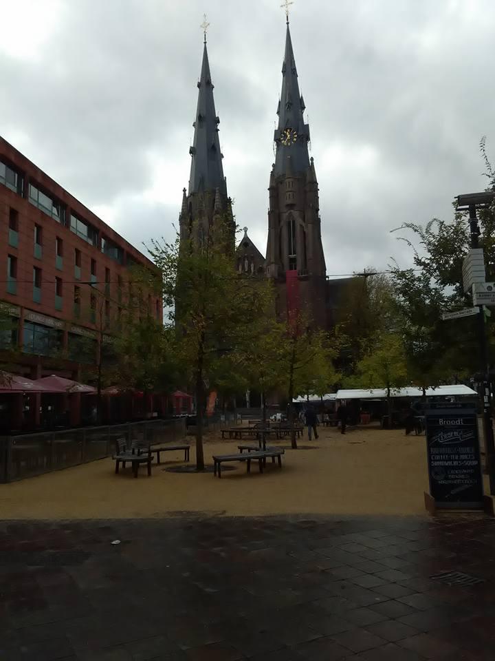 Eindhoven pazar 44