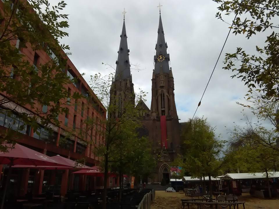 Eindhoven pazar 46