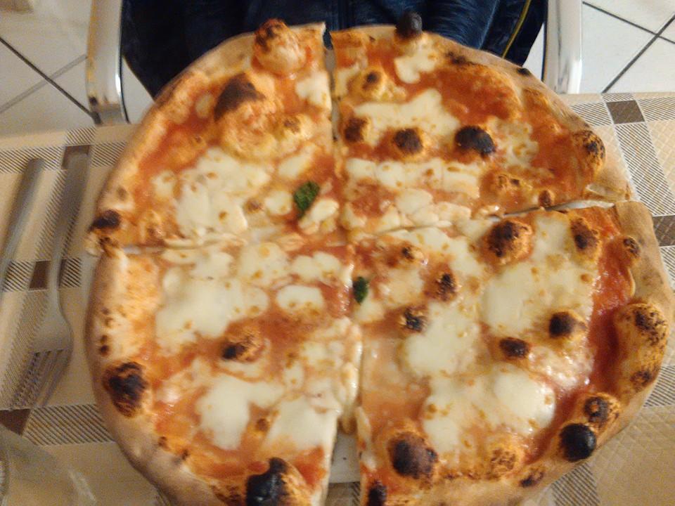 Pizzeria Petit Le Fleur torre del greco 22