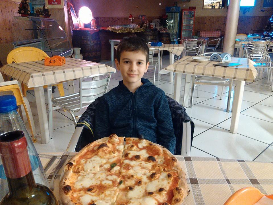 Pizzeria Petit Le Fleur torre del greco 23
