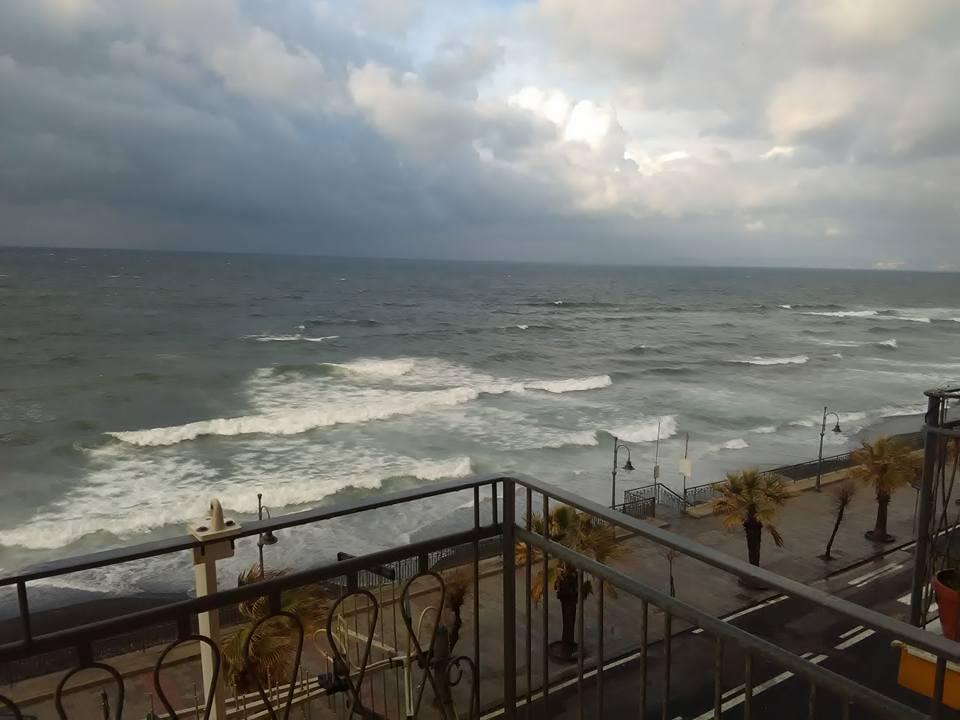 morska burya torre del greco 27 dec 2017 11