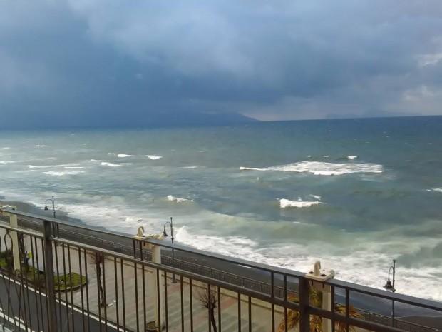 morska burya torre del greco 27 dec 2017 19