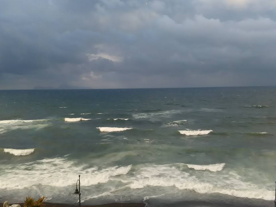 morska burya torre del greco 27 dec 2017 22