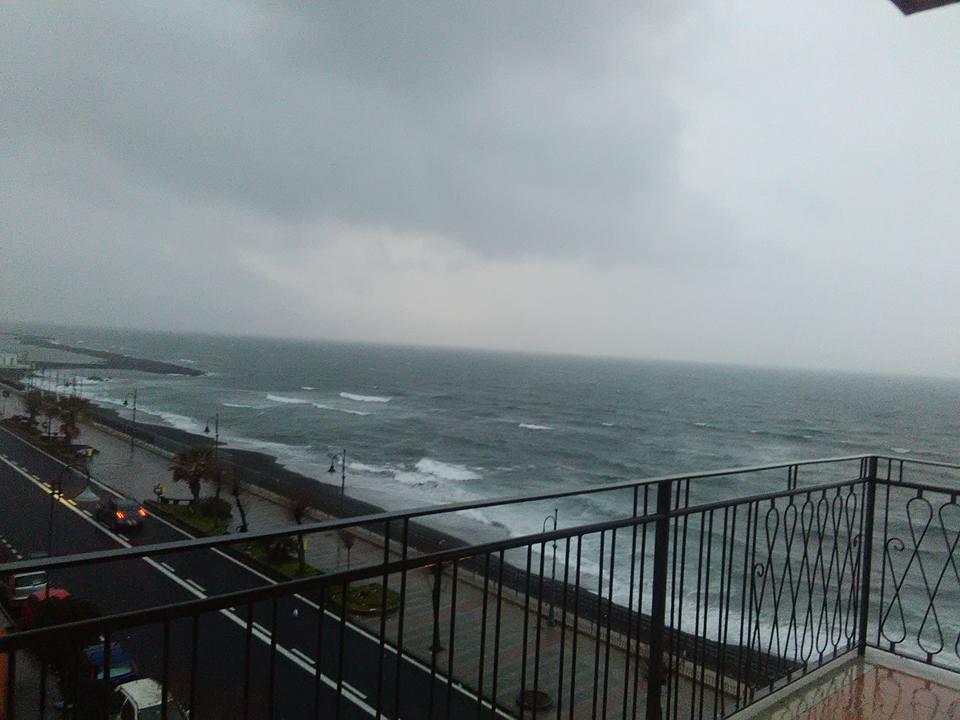 morska burya torre del greco 27 dec 2017 8