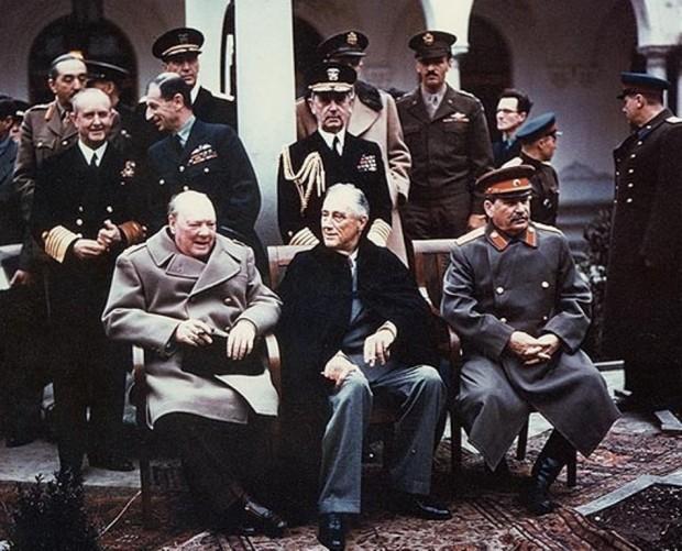 Чърчил, Рузвелт и Сталин в Ялта