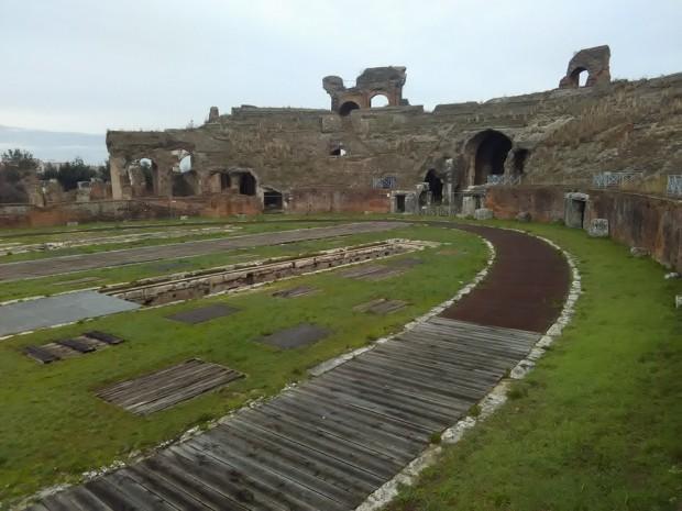 gladiatorska arena capua 64
