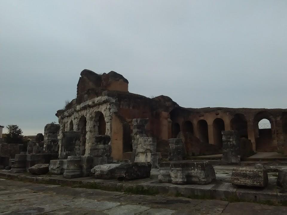 gladiatorska arena capua 80