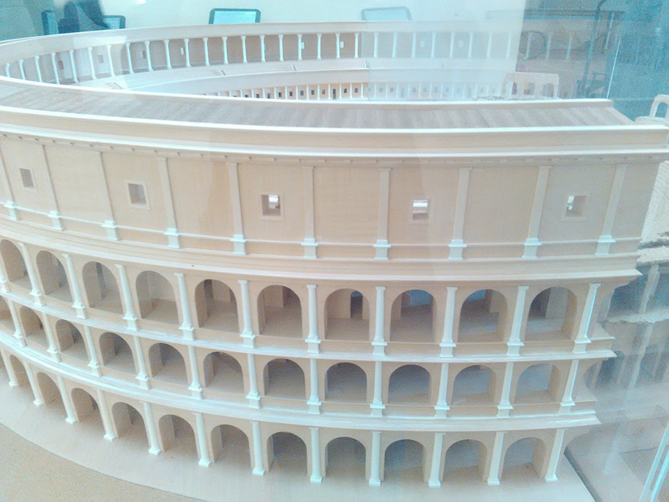 gladiatorska arena capua 98